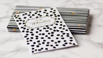 Freebie: Geschenkpapier für Weihnachten in schwarz-weiß