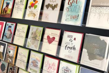 10 einfache Gestaltungstipps für einen hohen Abverkauf in der Kartenwand